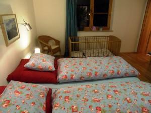 Kinderbett kann dazugestellt werden